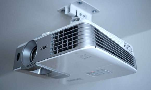 How to Connect a Ceiling-Mounted Projector to a Soundbar